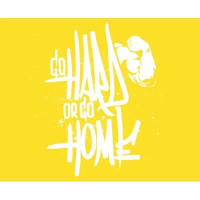 Go Hard or Go Home Sarı Zemin Spor Salonu Duvar Kağıdı